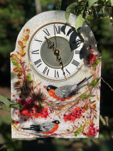 Часы из стекла «Снегири и рябина» арка