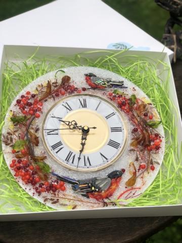Часы из стекла «Снегири и рябина» круглые
