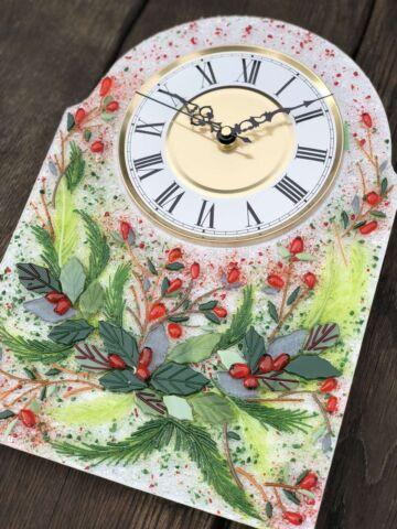 Часы из стекла «Новогодний венок» арка